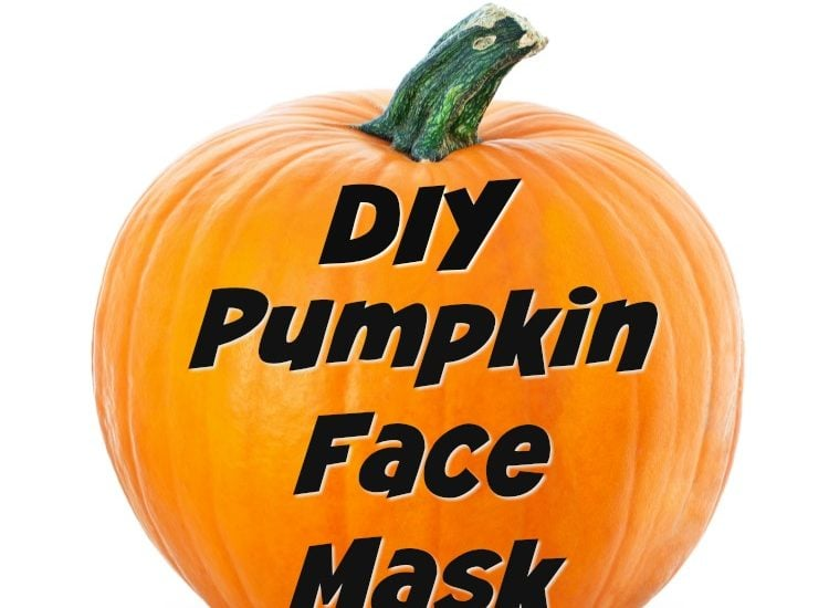 Use leftover pumpkin from Halloween and Thanksgiving for this DIY Pumpkin Face Mask. All natural, non-toxic and safe beauty. Plus, the three food ingredients are items you already have in your kitchen! #Pumpkin #NaturalBeauty