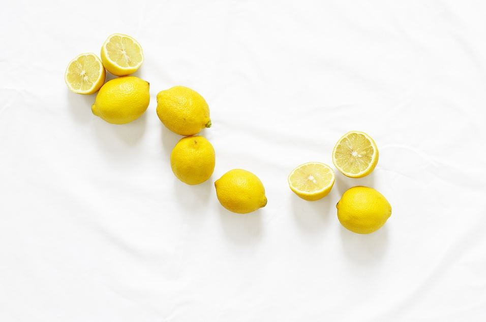 3 Brilliant life hacks all using the same piece of lemon. Three different uses from one slice.