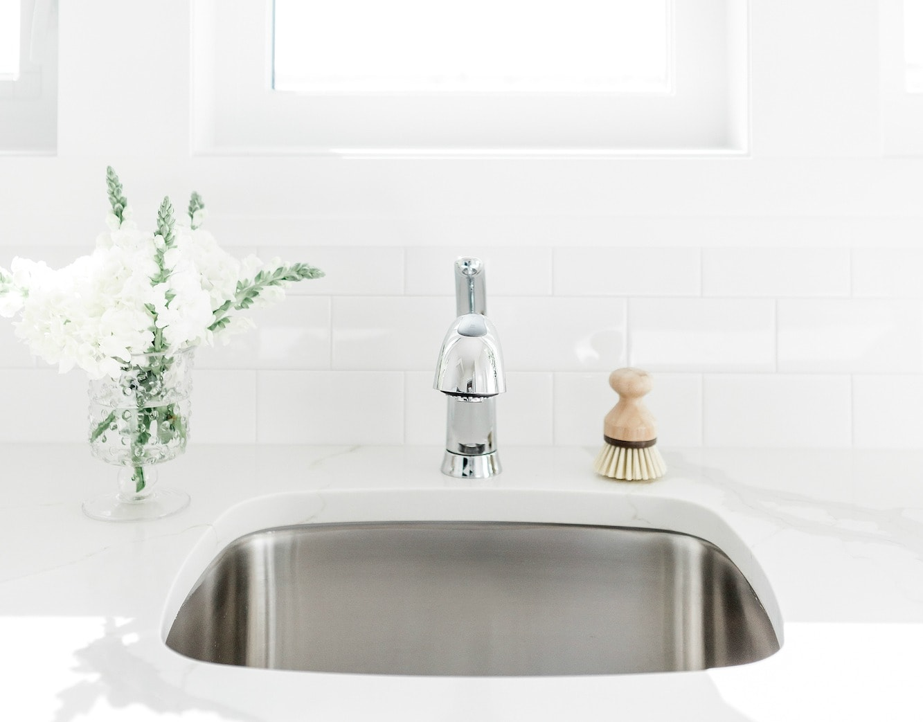 How to Naturally Kill Germs in a Kitchen Sink - Get Green ...