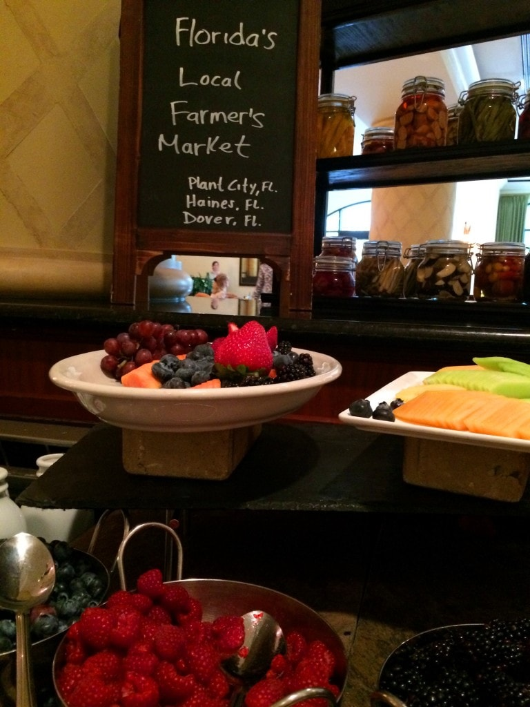 florida farmers market fruit breakfast buffet