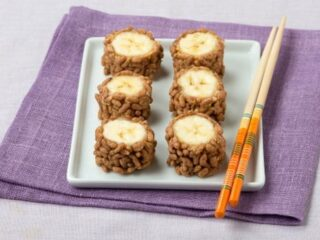 no bake Peanut butter and banana sushi with breakfast cereal