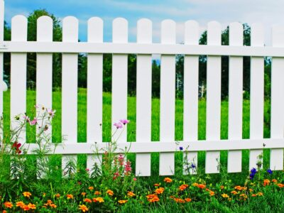 How to Clean a Vinyl Fence