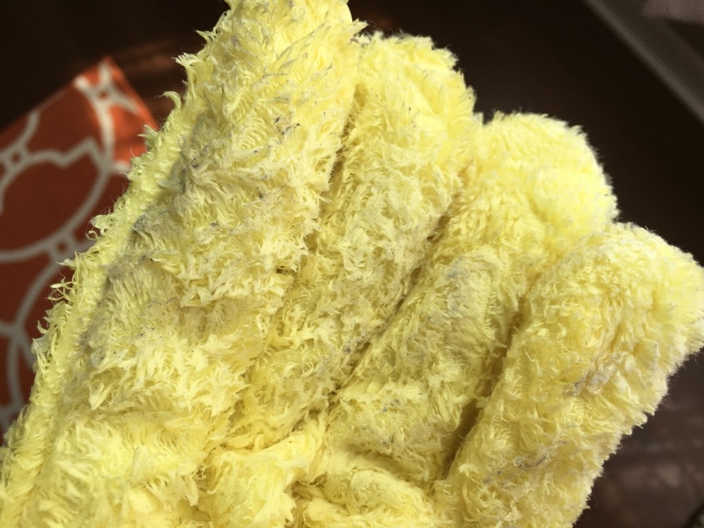 E-cloth dusting glove mitt for easy cleaning windown blinds