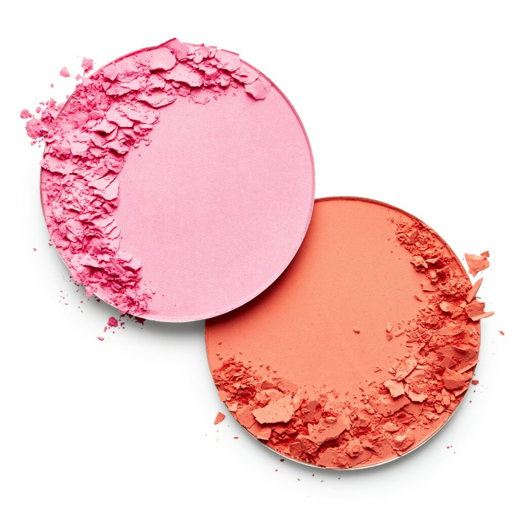 The best makeup brands that are non-toxic. These healthy beauty products have the least toxicity among drugstore brands. Budget friendly cosmetics for health conscious women.