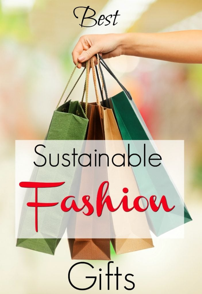 Best sustainable fashion gift ideas for women. Gift guide for a woman who loves ethical fashion or eco-friendly fashion and jewelry. If you don't know what to give, these are easy ideas for presents that any fashionista would lover. #sustainablefashion #ethicalfashion #giftguide #fashiongifts #Christmas #christmasideas