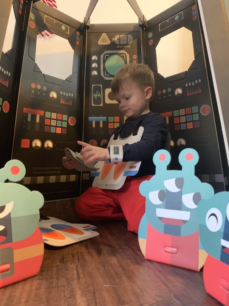 Sharingland cardboard playhouse set space ship with martian toys and toddler playing inside zero waste