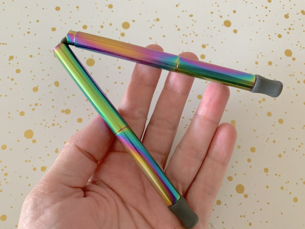 Bendable reusable straw