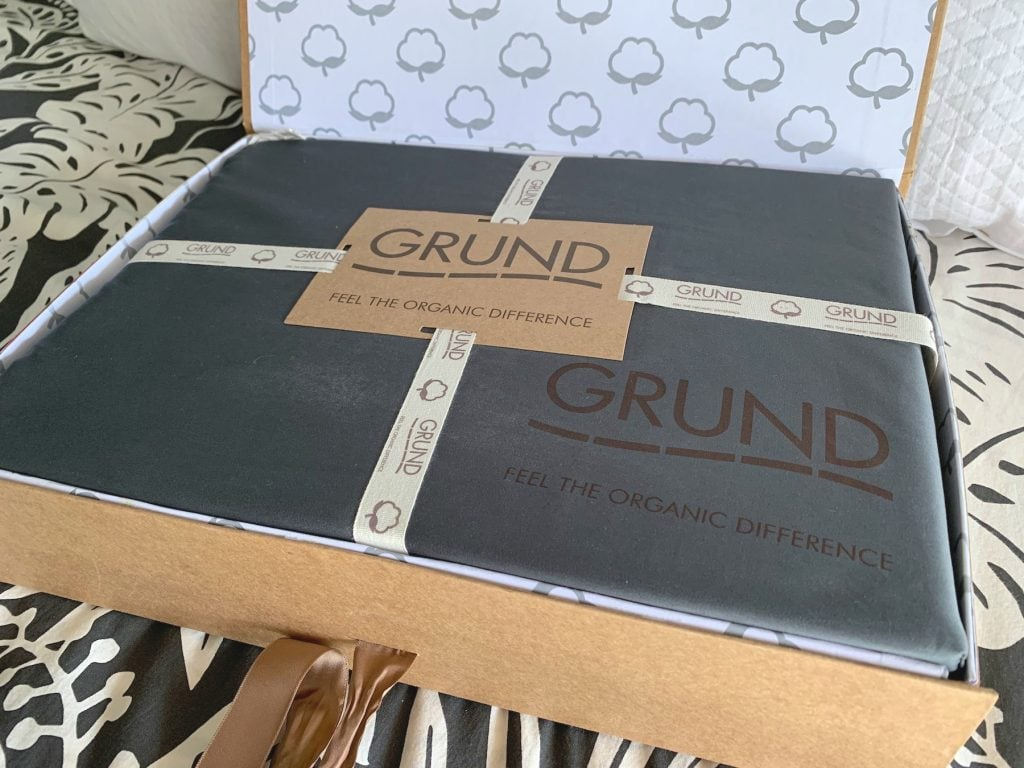 grund America organic cotton bed sheets slate gray in cardboard box packaging